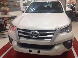 Toyota Fortuner 2.4G đời 2020, giá 993tr, màu trắng giao ngay