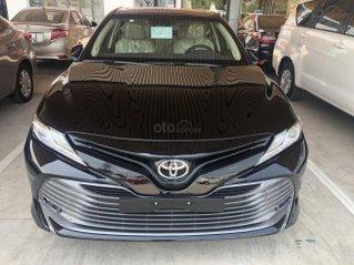 Bán Toyota Camry 2.5Q màu đen, sản xuất 2020
