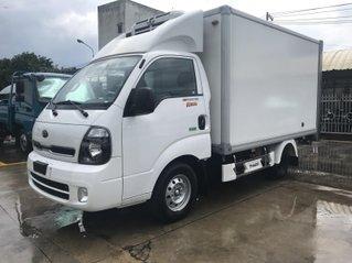 Kia K200 thùng đông lạnh gia xe Sài Gòn tháng 8