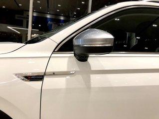Tiguan Luxury màu trắng KM lên đến 180tr, gầm cao, 2020, hỗ trợ NH tối đa - LS thấp, đủ màu, giao ngay