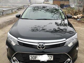 Gia đình bán Toyota Camry đời 2018, màu đen, biển cực đẹp, còn rất mới