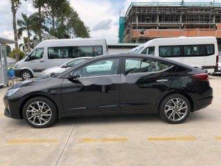 Cần bán Hyundai Elantra năm 2020, màu đen
