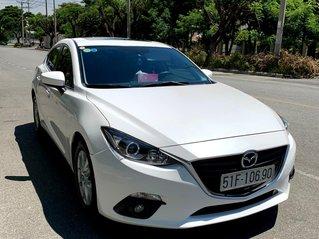 Cần bán Mazda 3 Hatchback, 5 cửa, màu trắng, SX 2015