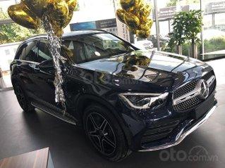 Mercedes GLC300 AMG - 2020, màu xám - kem, xe có sẵn giao ngay