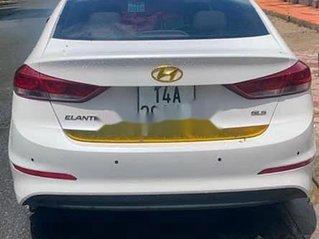 Bán Hyundai Elantra sản xuất năm 2018, màu trắng, nhập khẩu