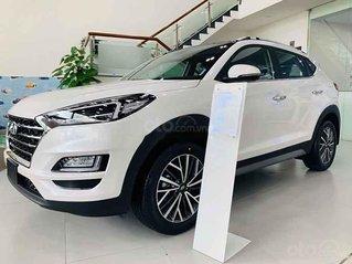 Bán xe Hyundai Tucson sản xuất 2020, màu trắng, giá 925tr