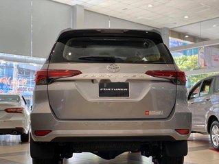Bán xe Toyota Fortuner sản xuất năm 2019, màu bạc