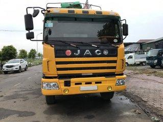 Bình Dương bán xe tải JAC 3 chân cực đẹp, xe JAC 3 giò, xe 3 chân JAC thùng mui bạt có chiều cao