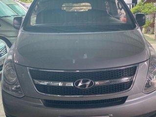 Bán ô tô Hyundai Starex sản xuất 2014, màu bạc, xe nhập còn mới giá cạnh tranh