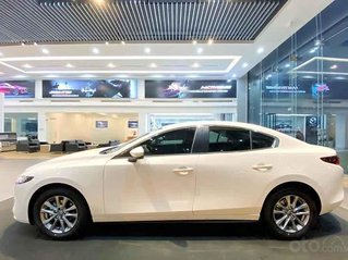 Bán xe Mazda 3 1.5 Deluxe năm sản xuất 2020, màu trắng, giá tốt