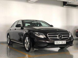 Bán Mercedes-Benz E250 lướt, màu Ruby Black siêu hiếm, duy nhất