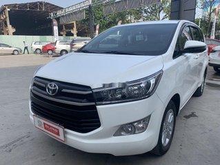 Cần bán xe Toyota Innova sản xuất năm 2019, màu trắng như mới
