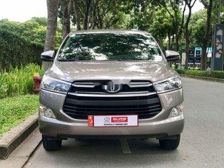 Cần bán gấp Toyota Innova đời 2019 xe gia đình