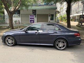 Cần bán xe Mercedes E250 sản xuất năm 2017 còn mới