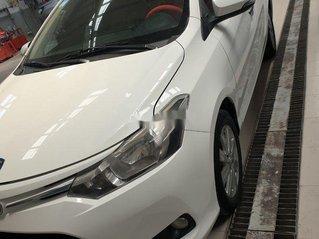 Cần bán xe Toyota Vios đời 2016, màu trắng còn mới