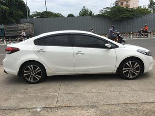 Bán Kia Cerato 1.6 MT sản xuất 2018, màu trắng còn mới, giá tốt