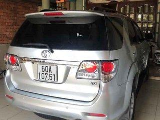 Gia đình bán Toyota Fortuner sản xuất năm 2013, màu bạc
