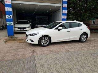 Cần bán lại xe Mazda 3 năm sản xuất 2018, màu trắng