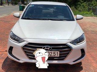 Bán xe Hyundai Elantra năm sản xuất 2018, màu trắng còn mới