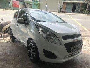 Cần bán lại xe Chevrolet Spark đời 2016, màu trắng, nhập khẩu nguyên chiếc