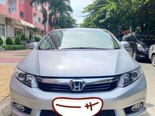 Cần bán Honda Civic năm sản xuất 2013, màu bạc còn mới
