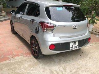Bán Hyundai Grand i10 sản xuất 2017, màu bạc, nhập khẩu