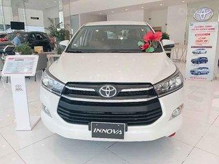 Bán xe Toyota Innova 2.0G sản xuất năm 2020, màu trắng