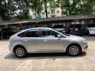 Bán Ford Focus 1.8AT sản xuất năm 2010, màu bạc còn mới, giá 295tr