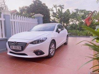 Cần bán xe Mazda 3 năm 2017, màu trắng, 540 triệu