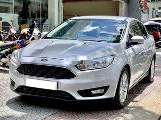 Cần bán lại xe Ford Focus 2017, màu bạc, giá tốt nhất