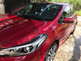 Bán xe Kia Cerato sản xuất 2018, màu đỏ, xe gia đình