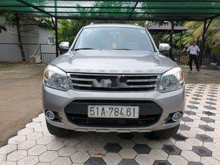 Cần bán lại xe Ford Everest đời 2013, màu bạc, số tự động