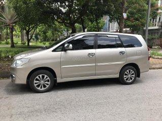 Chính chủ bán Toyota Innova 2.0E sản xuất và đăng ký 2016, xe đẹp như mới, giá chỉ 415tr