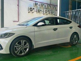Bán xe Hyundai Elantra 2.0 AT, đăng ký tháng 01.2018