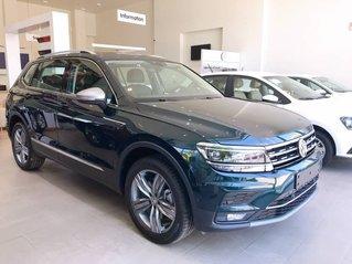 Bán Volkswagen Tiguan Luxury năm sản xuất 2020, màu xanh lam