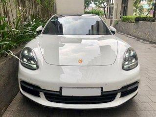 Cần bán xe Porsche Panamera 2018 full cacbon màu trắng, nội thất đỏ