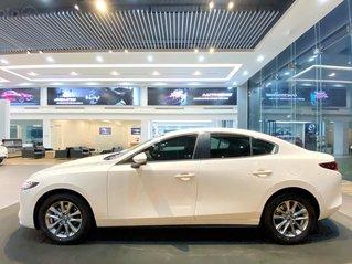 Mazda 3 2020 giá cực tốt, hỗ trợ 50% thuế trước bạ, hỗ trợ trả góp lãi suất thấp, có xe giao ngay