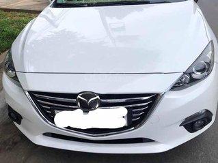 Cần bán xe Mazda 3 năm sản xuất 2017, màu trắng chính chủ, giá tốt