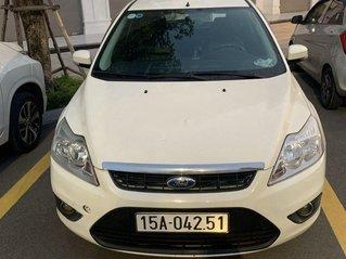 Bán Ford Focus sản xuất năm 2011, màu trắng chính chủ, 280 triệu