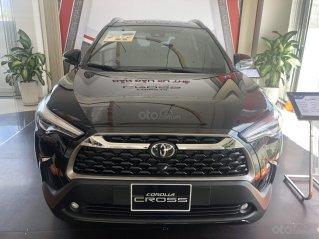 Bán Toyota Corolla Cross 1.8V màu đen giao ngay
