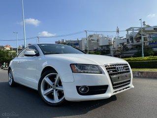 Audi A5 nhập Đức 2010, màu trắng zin, xe 2 cửa 5 chỗ, hàng full và độ vào rất nhiều đồ chơi cao cấp số tự động 6 cấp