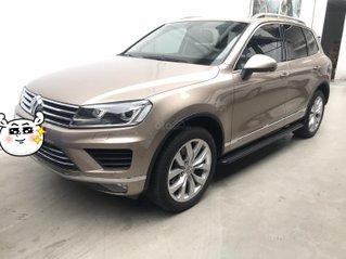 SUV 5 chỗ Volkswagen Touareg 3.6 AT, 280 hp, xe nhà đi 57.000 km, dành cho ai thích động cơ mạnh