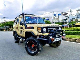 Land HJ75 9 chỗ máy dầu 4.0 hai cầu mạnh mẽ nhập 1990, hàng độc gầm cao độ Offroad vào hơn 400tr đồ chơi