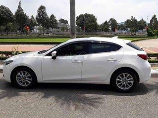 Bán xe Mazda 3 1.5 AT đời 2018, màu trắng còn mới