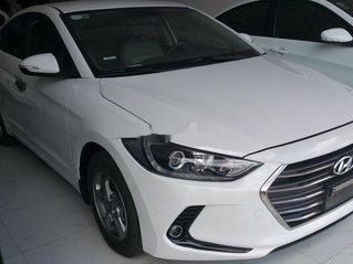 Bán ô tô Hyundai Elantra đời 2017, màu trắng còn mới