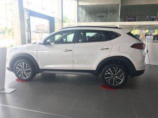 Cần bán xe Hyundai Tucson 2020, màu trắng giá cạnh tranh