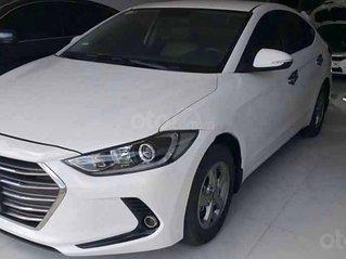 Cần bán Hyundai Elantra năm 2016, màu trắng