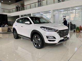 Hyundai Tucson 2020 giảm ngay 50% thuế TB + quà tặng cực kỳ hấp dẫn, trả trước 200 triệu nhận ngay xe