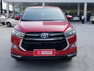 Cần bán xe Toyota Innova Venturer 2.0 6AT màu đỏ gia đình đi 27.000km - xe chính hãng giá tốt