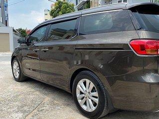 Cần bán lại xe Kia Sedona sản xuất 2015, màu đen còn mới, 715tr